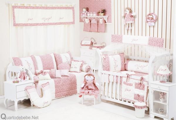 6f770109f745c Enxoval de bebê delicado com arabesco e flores - Blog Grão de Gente