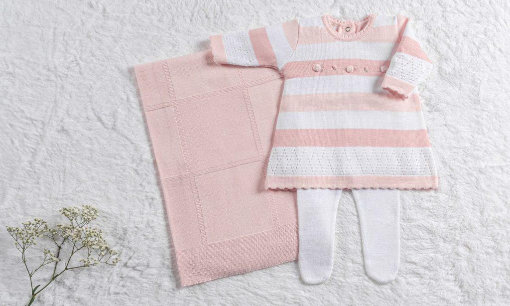 saida-maternidade-tricot-listras-e-flores-branco-e-rosa-03-pecas-294926