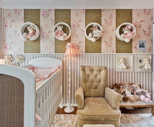 nichos na decoração do quarto de bebê