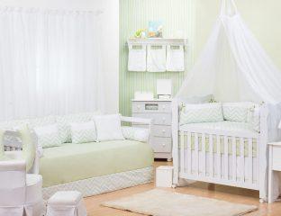 quarto de bebê com enxoval chevron