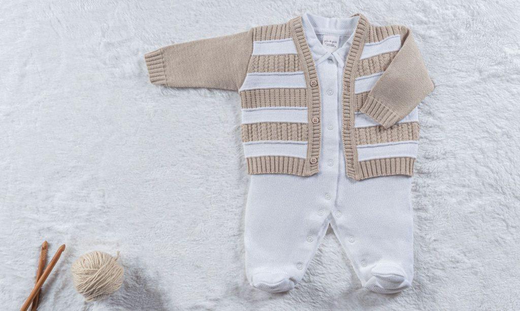 macacao-com-casaco-listrado-branco-e-bege-300828