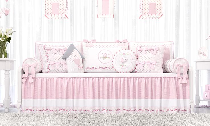 quarto de bebe patchwork rosa