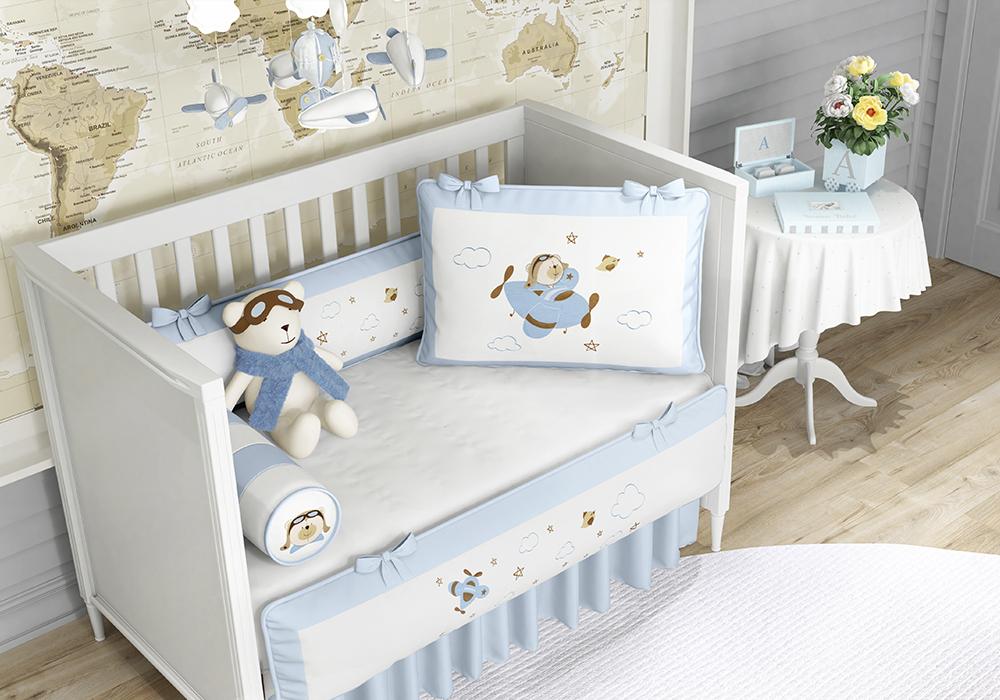 985379636 Coleção Urso Aviador inspira décor clean no quarto de menino