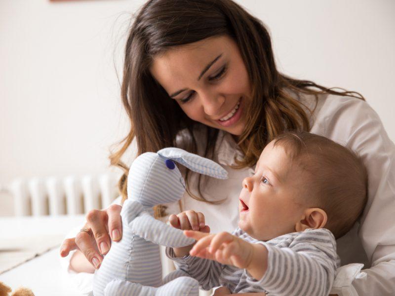 como brincar com o bebê?