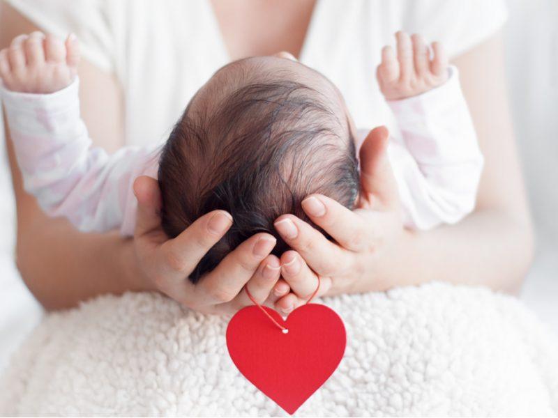 bebês suam