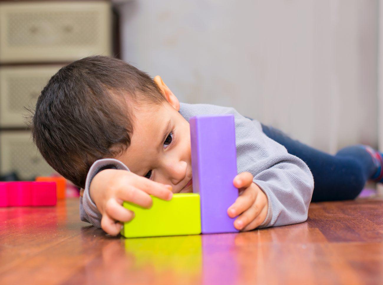 sinais de autismo em bebê