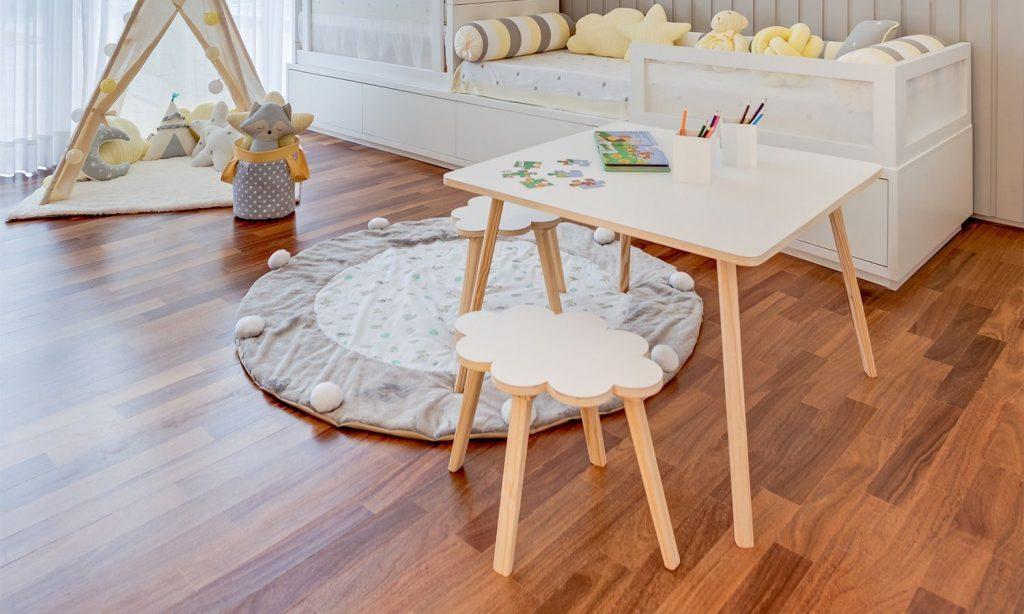 mesa-infantil-quadrada-branca-280181-1024x614