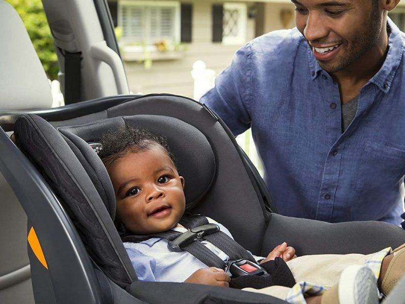 transportar bebês no carro