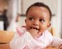 A importância do babador para o dia a dia do bebê (e da mamãe)